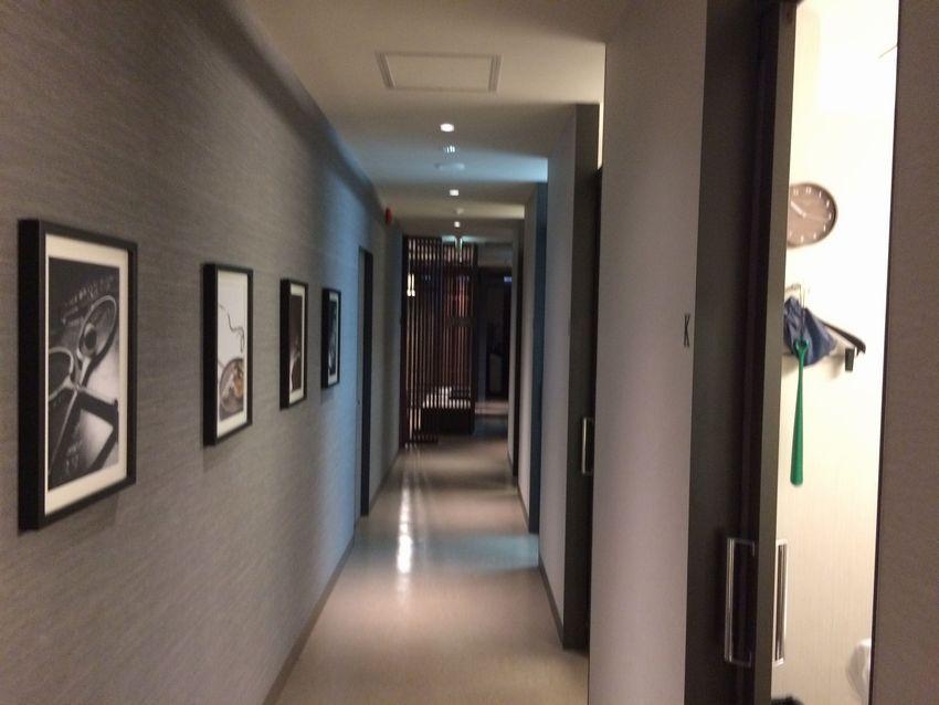 メンズTBCの店内廊下