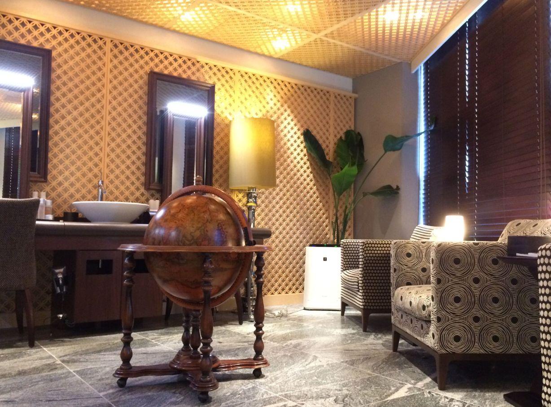 ダンディハウスの待合室