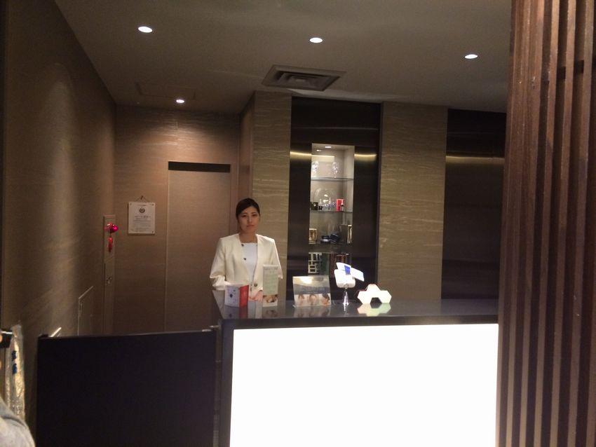 メンズTBC新宿本店の受付