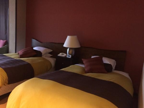 露天風呂付き客室のベッド