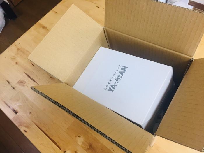ヤーマンのキャビスパの箱を開けたらパッケージが出てきた!