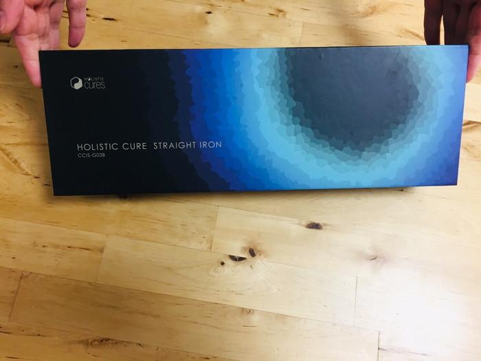 ホリスティックキュア ストレートアイロンのパッケージ(表面)