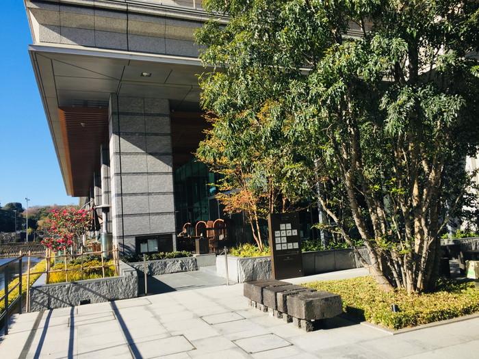 パレスホテル東京の入り口付近2