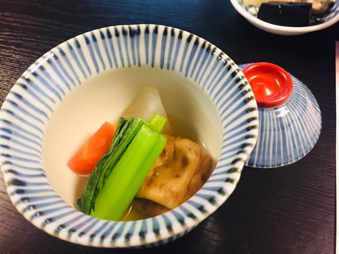 塩原温泉の旅館「湯の花荘」の朝食の煮物