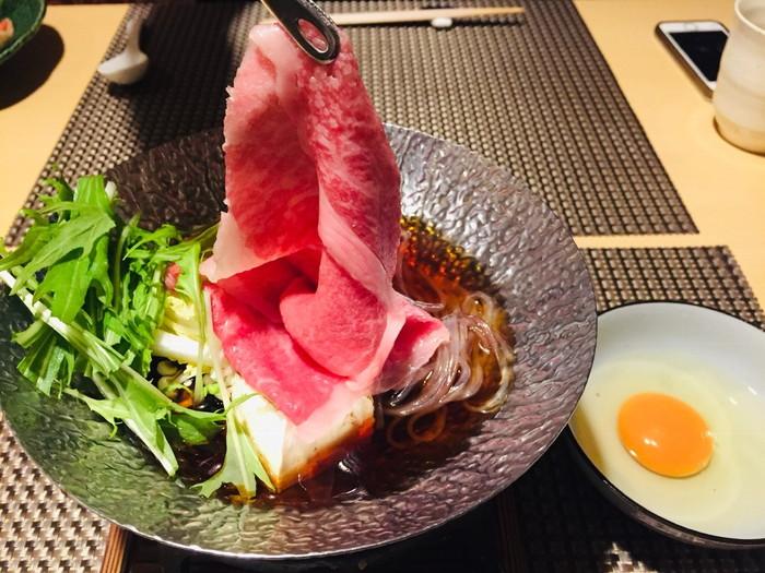 箱根湯宿 然-ZEN-の夕食の台の物(牛すき鍋)