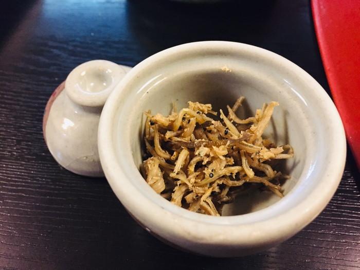 塩原温泉の旅館「湯の花荘」の夕食-食事(ちりめん山椒)
