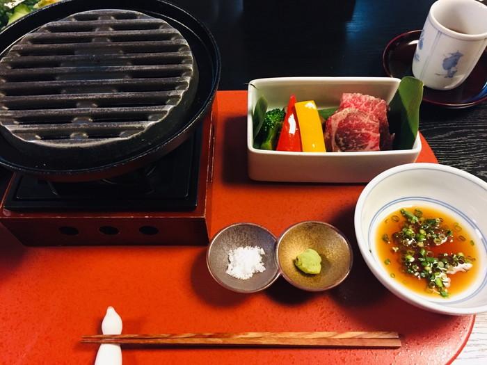 塩原温泉の旅館「湯の花荘」の夕食-焼き物1