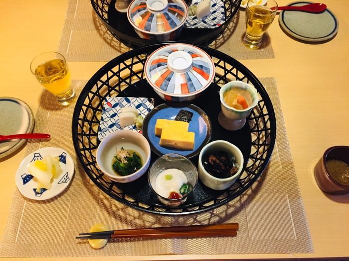 箱根湯宿 然-ZEN-の朝食の全体像