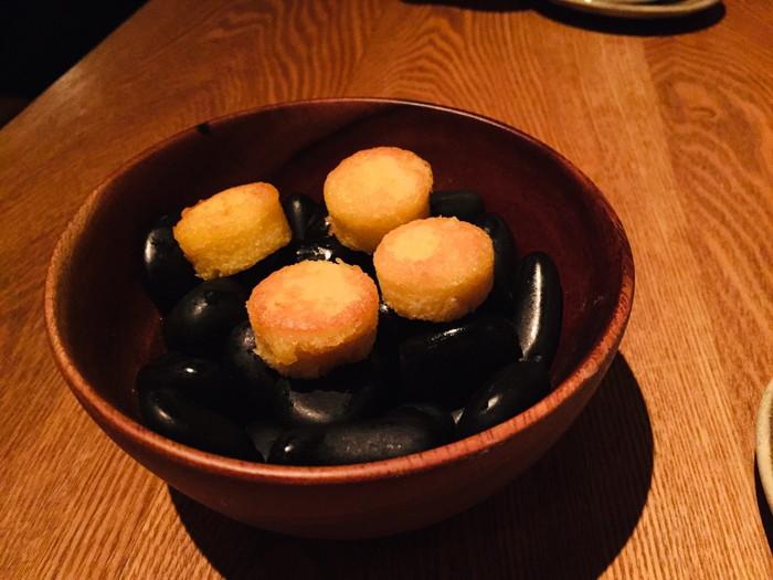 モダンフレンチレストラン「sio(シオ)」のマドレーヌ