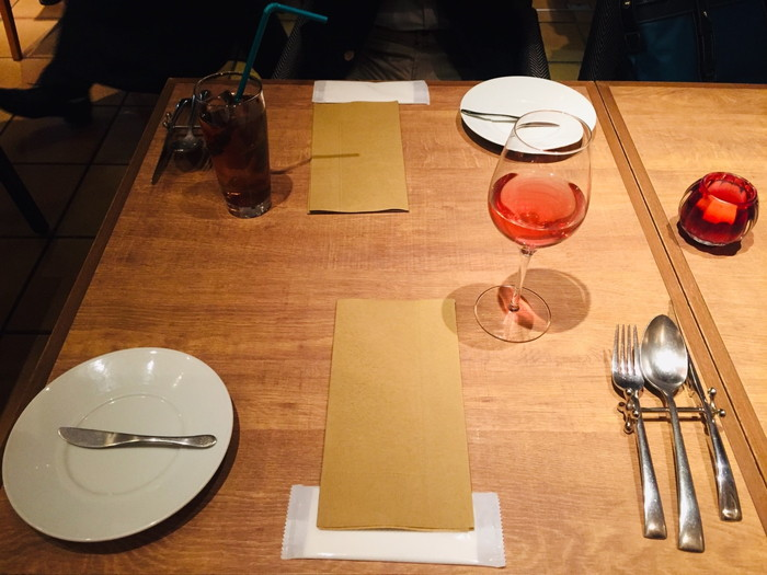 ビストロ「ラトルチュ」のテーブル&ハーブティ